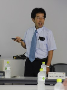 Professor Shikazono introduces research at the CEE during the briefing.