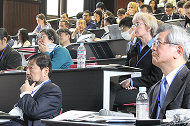 EVP Ken Furuya (front left) and Prof. Naoto Sekimura (front right) listening to the presentations