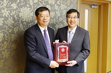 Delegation from Tsinghua University Headed by President Qiu Yong Visit UTokyo