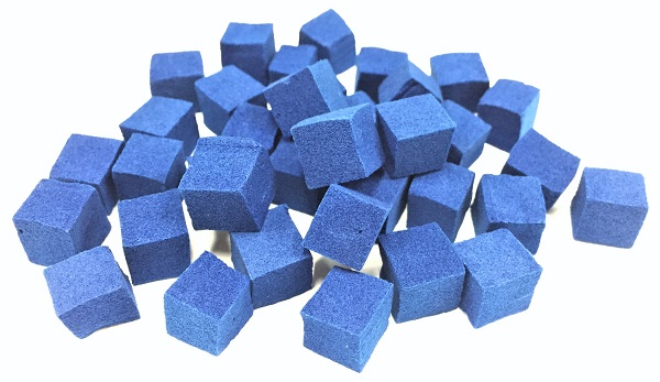 © 2017 Sakata & Mori Laboratory.Cellulose nanofiber-Prussian blue compounds are permanently anchored in spongiform chambers (cells) in this decontamination sponge. It can thus be used as a powerful adsorbent for selectively eliminating radioactive cesium.
