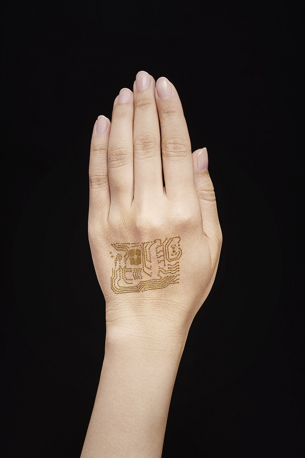 © 2018 Someya Laboratory.The nanomesh electrode closely follows the contours of the back of the hand for a perfect fit when attached to the skin. The stretchable device lets the skin breathe naturally, and is so thin and light that wearers forget they even have it on.