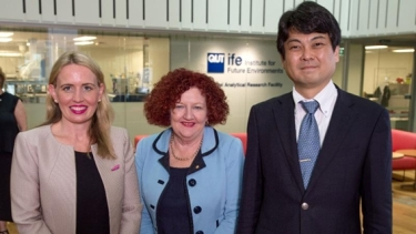 From left, Queensland Innovation Minister Kate Jones, QUT Vice-Chancellor Margaret Sheil AO, Professor Masakazu Sugiyama